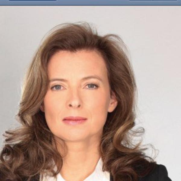 Valérie Traweiler :  Elle fête la libération de Florence Cassez sur twitter