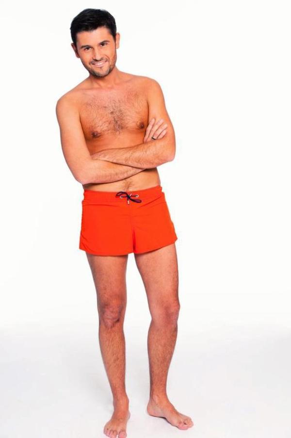 """-Photo- Christophe Beaugrand: Découvrez le dans son maillot de bain rouge pour """" Splach le grand plongeon"""""""