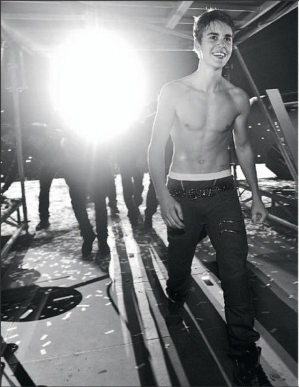 -Photos- Justin Bieber: Encore torse nu sur le net !