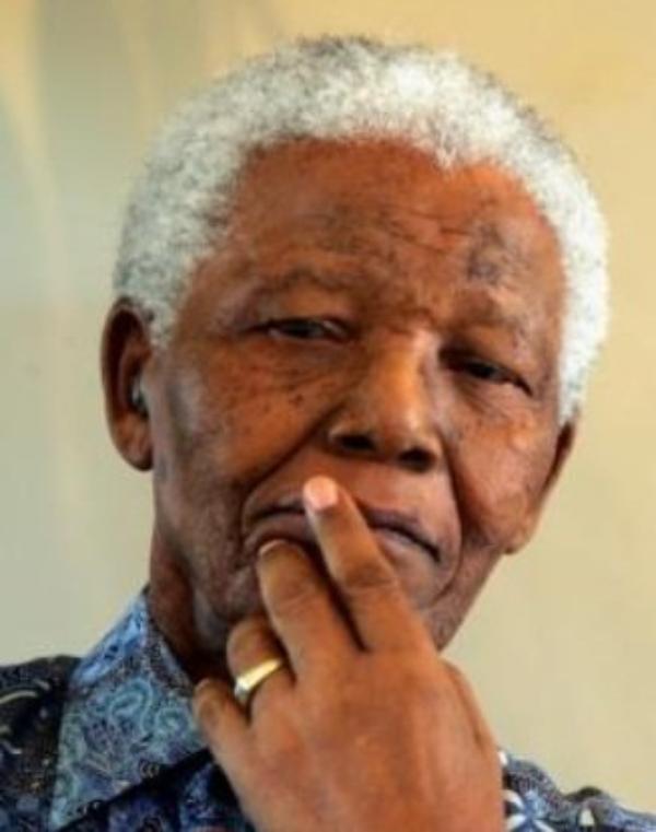 Nelson Mandela: Il a été placé sous assistance respiratoire