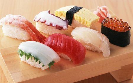 Japon 14 : Cuisine japonaise 1 : présentation de la cuisine et des sushis, sashimis et makis