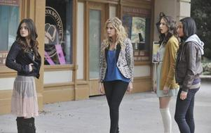Stills 2x24 If these dolls could talk