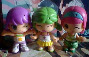 --- Je ne sais plus comment ces petites poupées s'appelle.