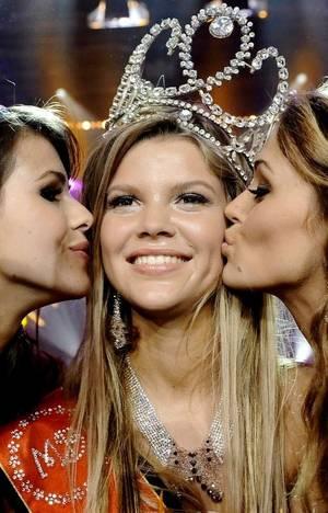 BES ACTU : Miss Belgique 2011 - Justine De Jonckheere, de Wevelgem !!!