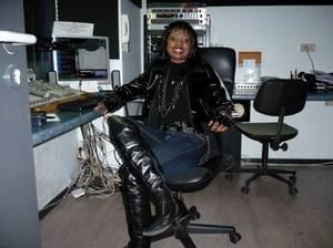 """Evalens Noah, (de Paris) dans : """"Les Etoiles de BES"""" sur Gold FM - 09.02.2011"""