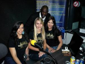"""Les finalistes """"Miss Brasil Belgium"""" 2011, dans Les Etoiles de BES - 16.03.2011"""