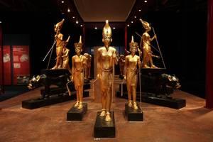 Le Pharaon arrive à Bruxelles - « TOUTANKHAMON, SON TOMBEAU ET SES TRÉSORS »