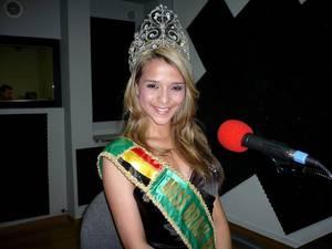 """Miss Brasil Belgium 2011 dans : """"Les Etoiles de BES"""" sur Gold FM - 20.04.2011"""