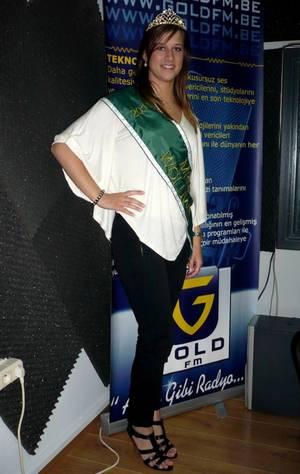 """Charlène, Miss Woluwe 2011 dans : """"Les Etoiles de BES"""" sur Gold FM - 18.05.2011"""