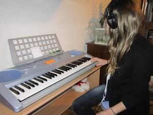 Découvrez JESI POETISE, une talentueuse artiste en programmation sur GOLD FM
