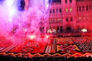 BES ACTU : Le tapis de fleurs 2012 de la GRAND PLACE de BRUXELLES