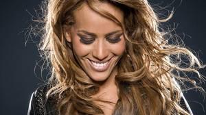 """Amel Bent finaliste de """"DANSE AVEC LES STARS"""" - 4 Etoiles de BES en 2012"""