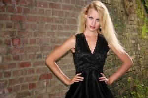 Le clip de Noël d'Ivana - En diffusion sur GOLD FM - Avec le soutien de BES