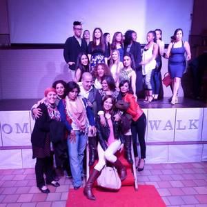 Woman Walk by ASSIA et son groupe / Présentation de jeunes stylistes  - Part 1