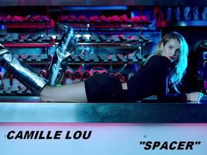 """Découvrez Camille Lou dans sa reprise des titres de SHEILA... 1er titre : """"Spacer"""" !"""