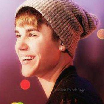 Under The Mistletoe / Only Thing I Ever Get For Christmas (2011)