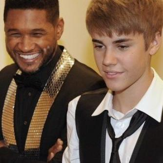 Under The Mistletoe / The Christmas Song (ft Usher) (2011)