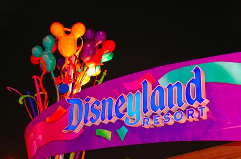 Californie: Évacuation partielle du parc Disneyland Resort
