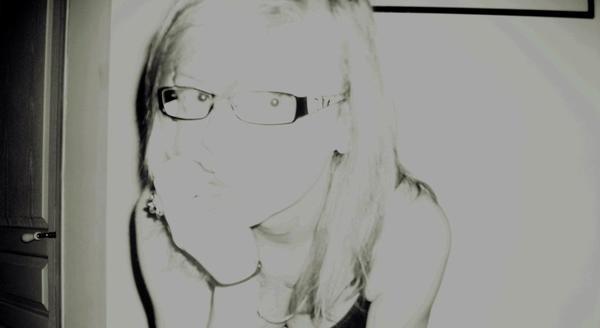 L'adolescence: L'ennui d'etre seul, l'envie d'être deux, la peur d'être trois.