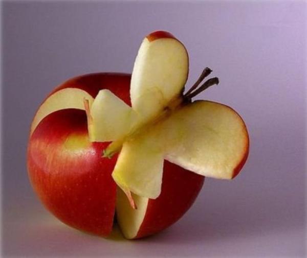 « Chaque pomme est une fleur qui a connu l'amour. »