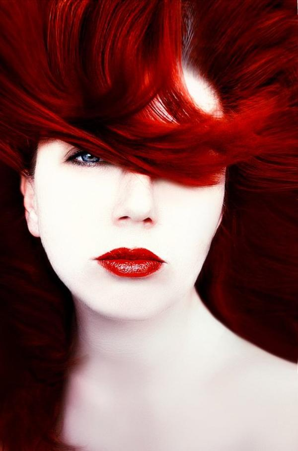 « Je suis à la roulette de mon corps et je joue sur le rouge. Tout me distrait indéfiniment, sauf de ma distraction même. »