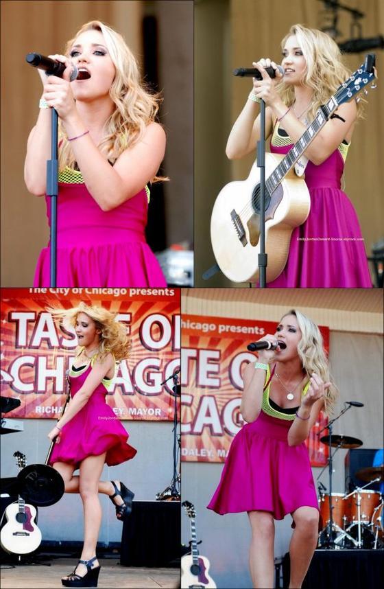 (Flashback) Le 27 Juin 2010 : Emily donnait un concert en plein milieu de Grant Park à Chicago. Une préstation qui a emballée le public !