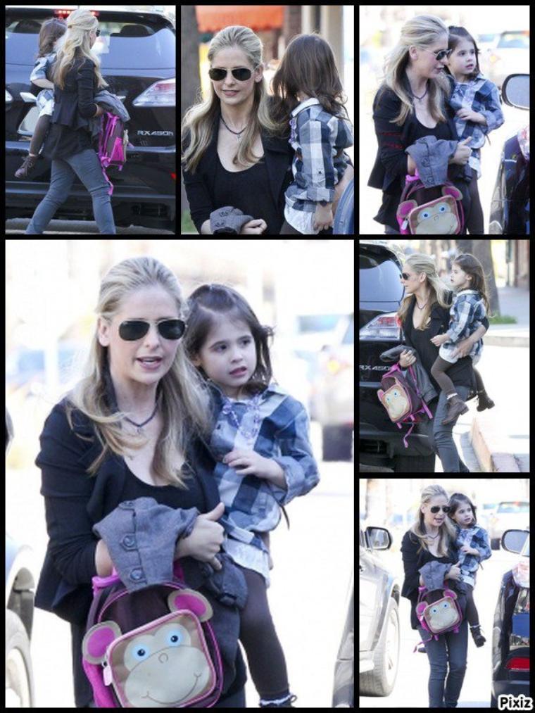 Sarah déposant sa fille à l'école hier !