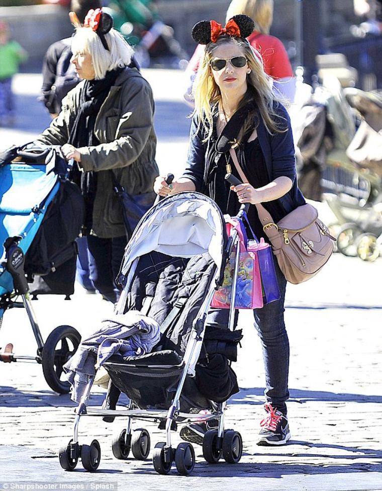 Sarah , Freddie et Charlotte à Disney land !