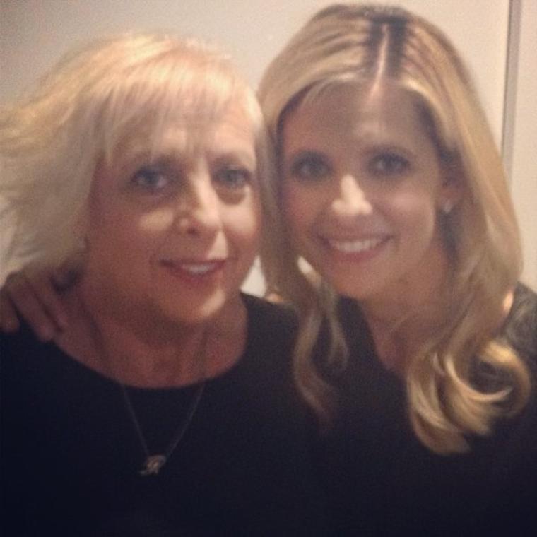 """Photoshoot de Sarah & sa mère pour la campagne """"Sounds of Pertussis"""" !"""