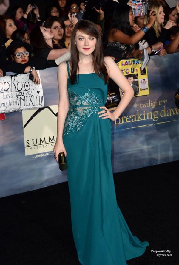 2/2 Twilight : Les acteurs, tout, à la première du film The Twilight Saga: Breaking Dawn - Part 2 (  lundi (Novembre 12) à Los Angeles.)