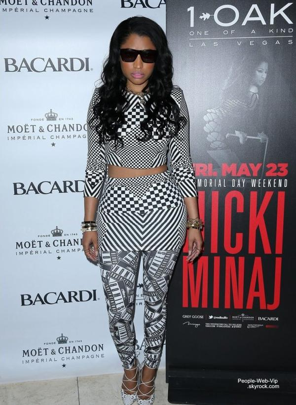 Nicki Minaj aperçue dans une tenue assez sexy lors du week-end du Memorial Day au Mirage Resort et 1 OAK Nightclub Casino  (vendredi (23 mai ) à Las Vegas)