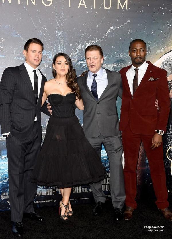 Channing Tatum avec sa femme Jenna Dewan, Mila Kunis et  Eddie Redmayne en arrivant à la première de leur dernier film Jupiter Ascending tenue à TCL Chinese Theatre. ( lundi (2 Février) à Hollywood.)