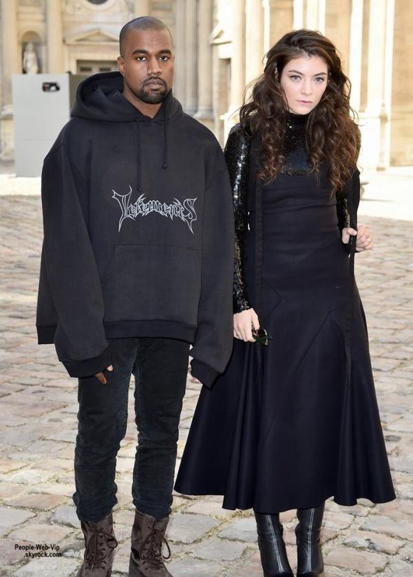 Kanye West et Lorde posent ensemble pour une photo en arrivant au défilé Christian Dior pendant la Semaine de la mode de Paris Womenswear automne / hiver 2015/2016  (vendredi après-midi (6 Mars) à Paris, France.)