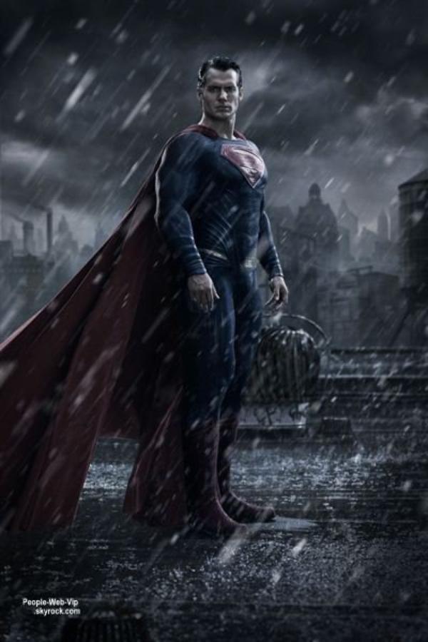 """"""" Batman vs Superman - Dawn Of Justice """" Découvrez les premières images de Batman vs Superman - Dawn Of Justice, mettant en scène Ben Affleck (Batman), Henry Cavill (Superman), Gal Gadot (Wonder Woman) et Jesse Eisenberg (Lex Luthor) . Le film réalisé par Zack Snyder sort en salles le 23 mars 2016."""