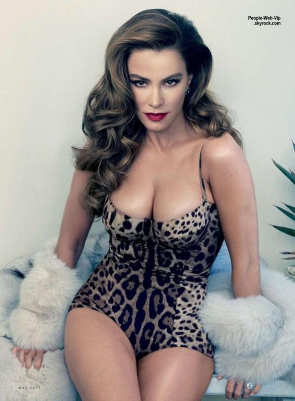 La colombienne Sofia Vergara fait monter la chaleur sur la couverture du numéro de mai du magazine américain Vanity Fair.  Qu'en pensez vous?