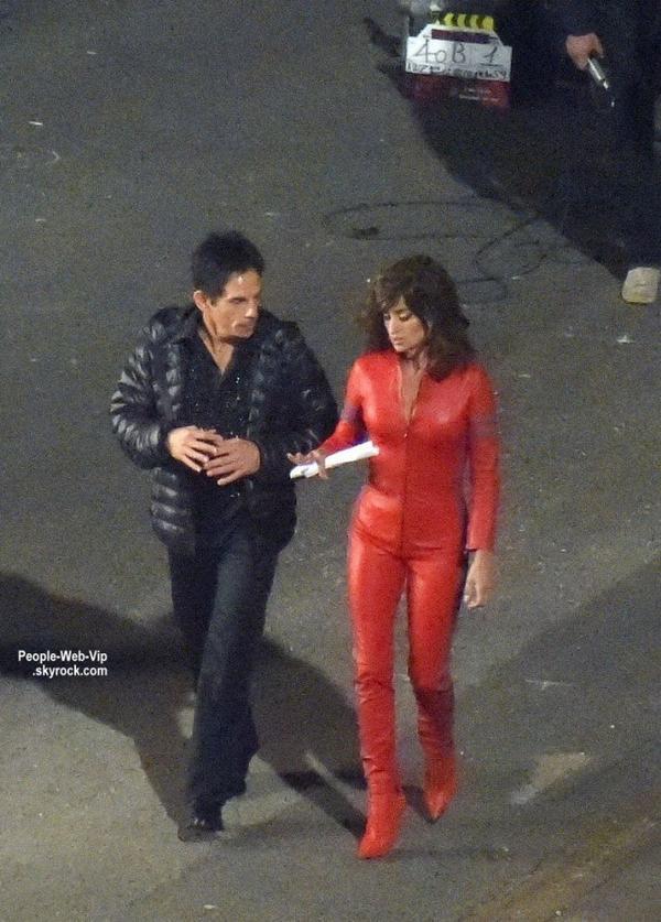 """Ben Stiller a été aperçu avec Penelope Cruz lors de tournage de quelques scènes  pour leur prochain film très attendu """"Zoolander 2""""   (dimanche soir (26 Avril) à Rome, en Italie.)"""