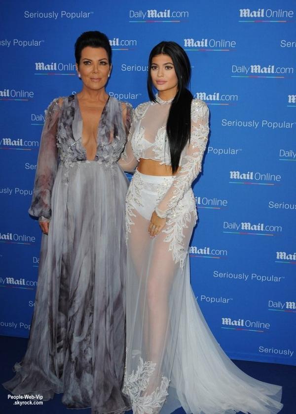 """Kim Kardashian West a été aperçue au """"DailyMail.com Seriously Popular Yacht Party"""" . Kim a été rejoint par sa maman Kris Jenner (avec son petit ami Corey Gamble) et soeur Kylie (avec son petit ami Tyga). (mercredi soir (24 Juin) à Cannes, France.)"""