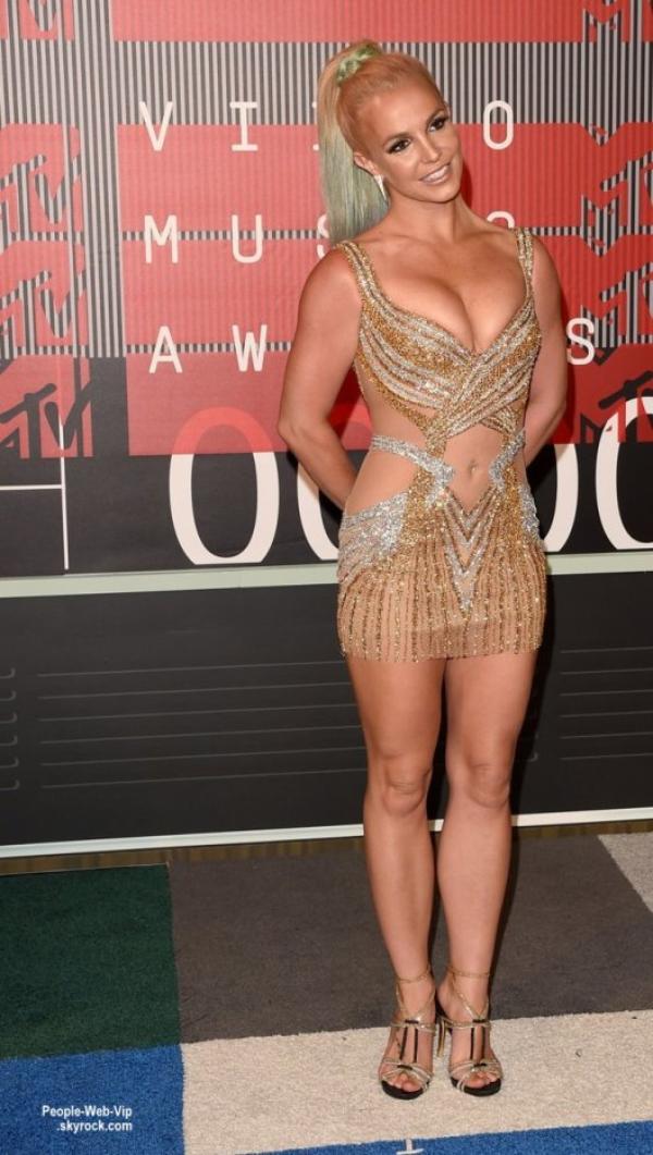 - 2015 MTV Video Music Awards - RED CARPET Britney Spears, Kanye West et sa femme Kim Kardashian, Kylie Jenner et son petit ami Tyga, et Ciara  au Théâtre Microsoft. (dimanche (30 Août) à Los Angeles.)