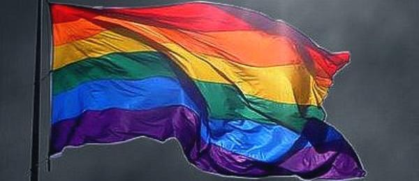 Qui pourrait mieux parler de l'homophobie, qu'un homosexuel ?