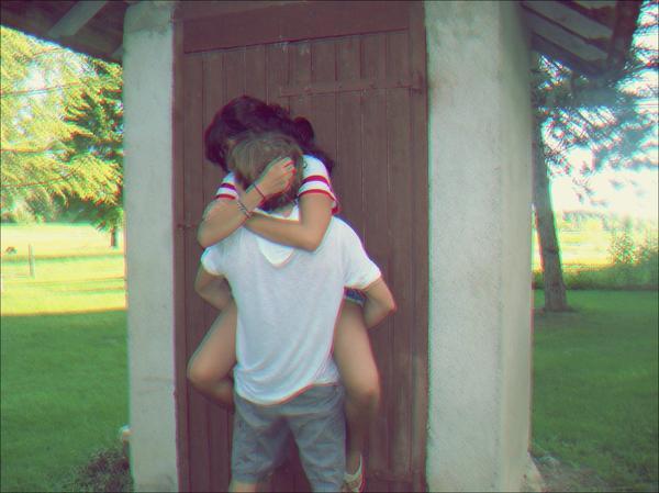 T'aimer chaque jour d'avantage ? Non : t'aimer chaque jour comme jamais. Comme jamais je ne pourrais t'aimer.