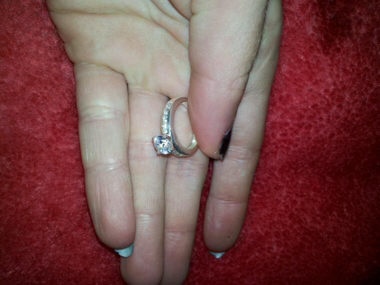 le jour de nos fiançailles fut le plus beau jour de ma vie ! je t'aime!