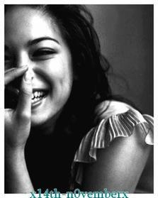 Extrait de : La fille de Papier <3 Guillaume Musso   Musique : Simple Plan - You Suck At love