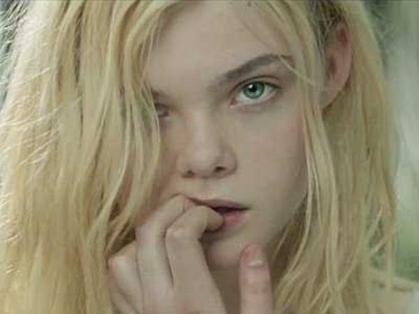 Elle et Dakota : triomphante jeunesse