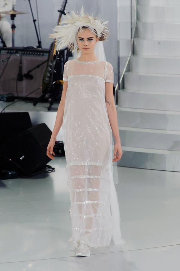 J'ai adoré Cara en mariée Chanel