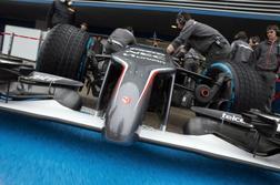 > 7] Sauber C33 Ferrari