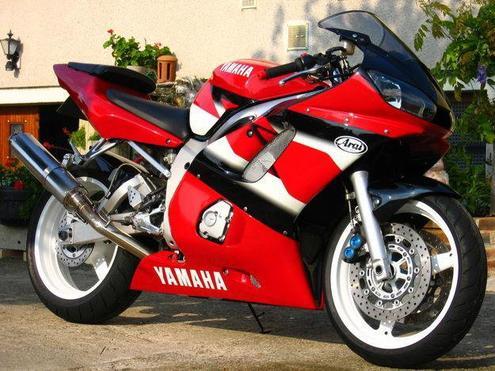 yamaha R1 YZF ET une R6