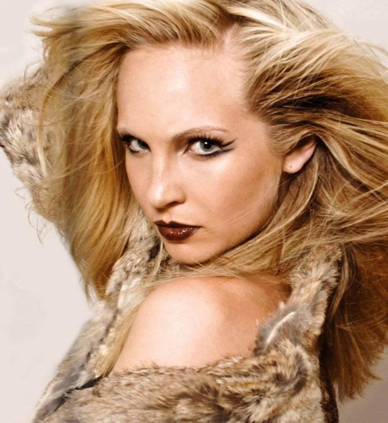 Photoshoots Candice Accola CH²