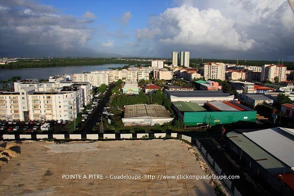 POINTE à PITRE         http://clickonguadeloupe.com/Guadeloupe/pointe_a_pitre/commune.html