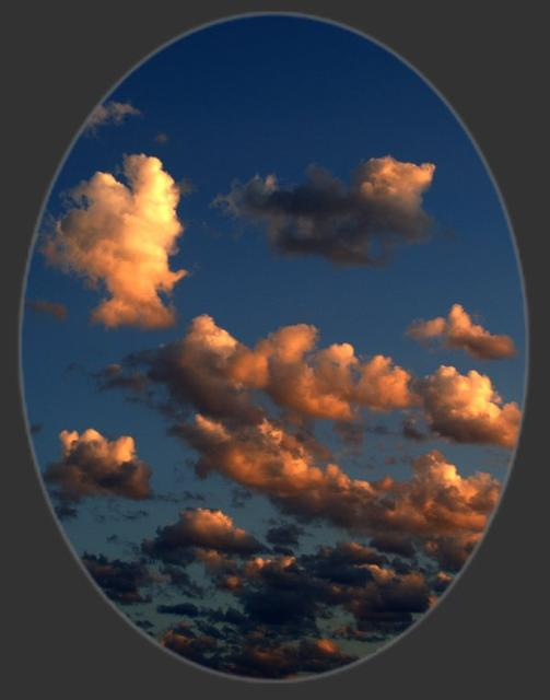 """Trop de monde regarde le sol en permanence, regarde le ciel et admire les nuages"""