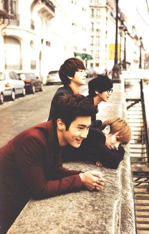 """I can be a Hero, kimi wo mukae ni yuku. Wanna be a Hero, isshoni fly away"" [Super Junior - Hero]"